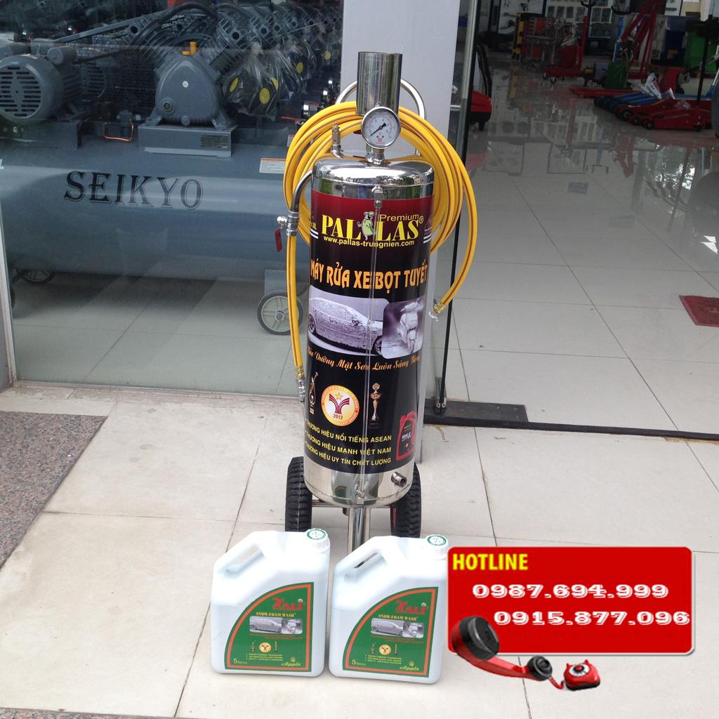 Binh-rua-xe-bot-tuyet