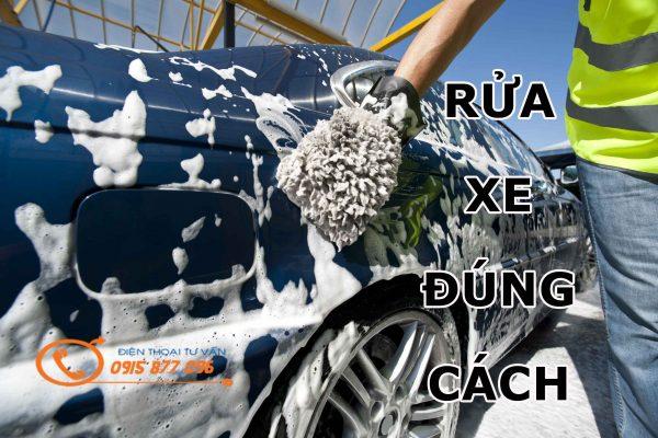 rửa xe bằng bao tay