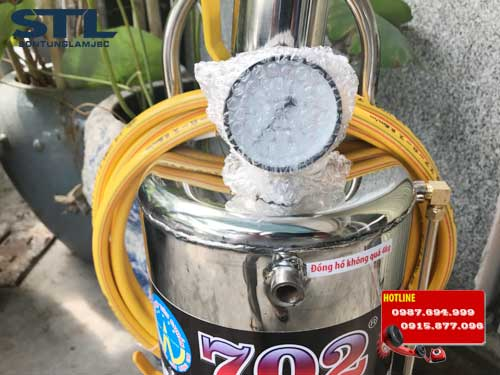 binh phun bot tuyet 702