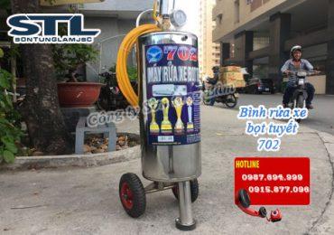 binh rua xe bot tuyet 702