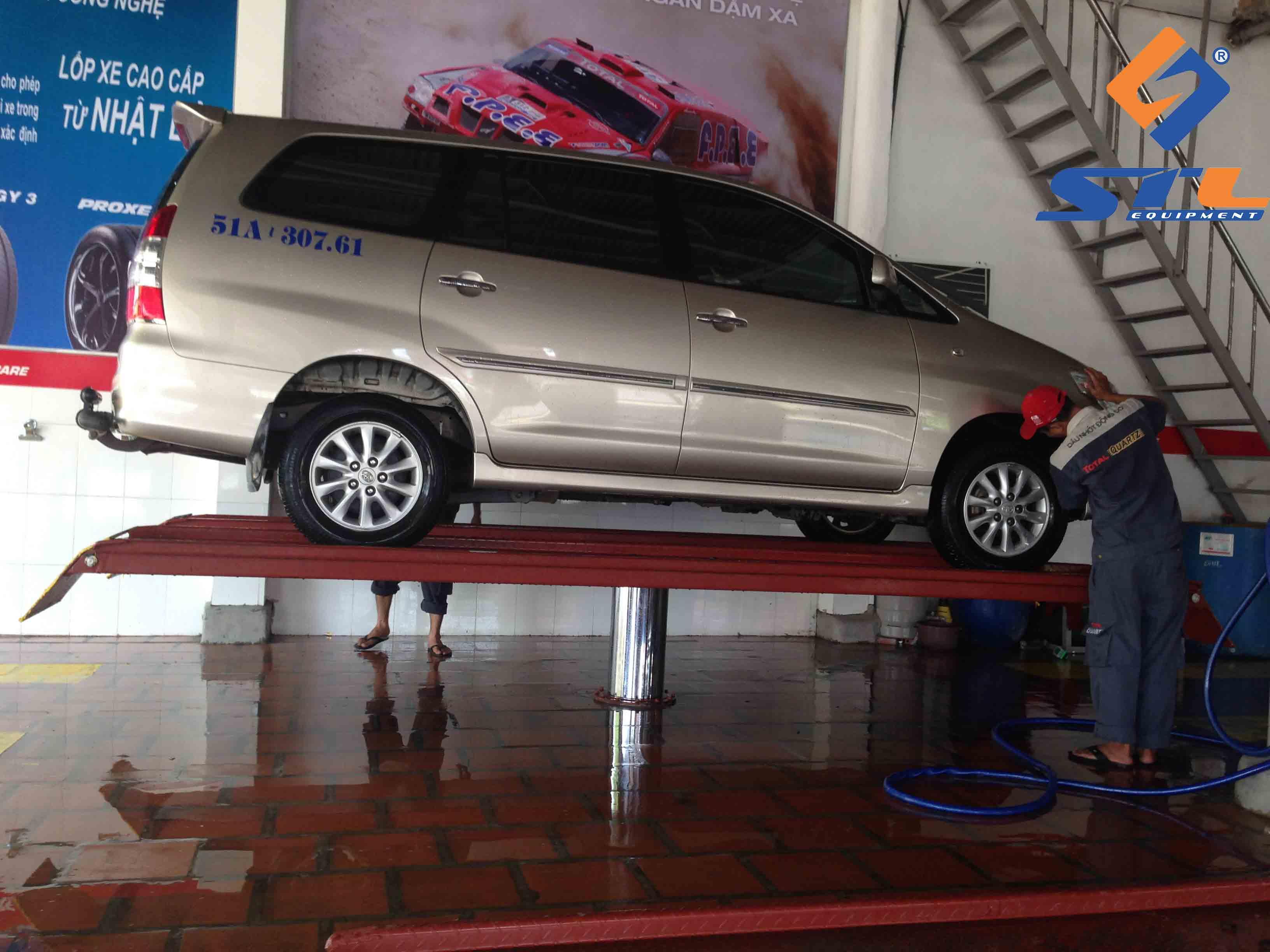 Giàn nâng rửa xe ô tô