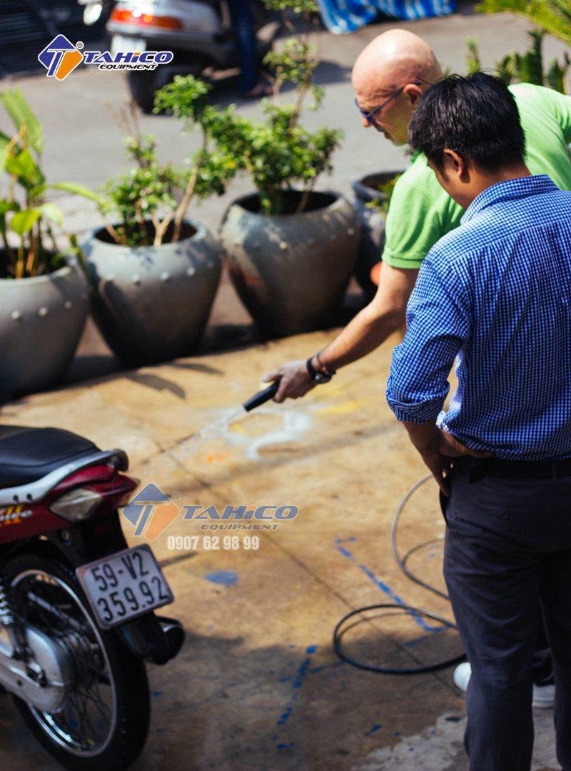 Khả năng vận hành máy rửa xe mini gia đình IPC khá hoàn hảo